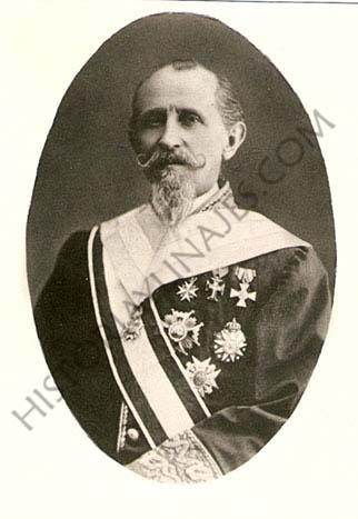 Evaristo Pérez de Castro y Brito. Hijo del Secretario de las Cortes de Cádiz, fue Presidente de la Comisión de Límites entre España y Portugal, Encargado de Negocios, senador, diputado provincial y Presidente de la Diputación Provincial de Pontevedra. Se casó con la hija del marqués de Valladares.